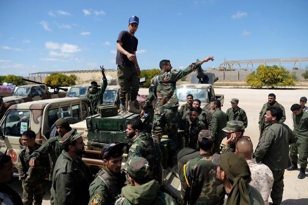 Libye: Haftar poursuit son offensive sur Tripoli, des combats près de la capitale