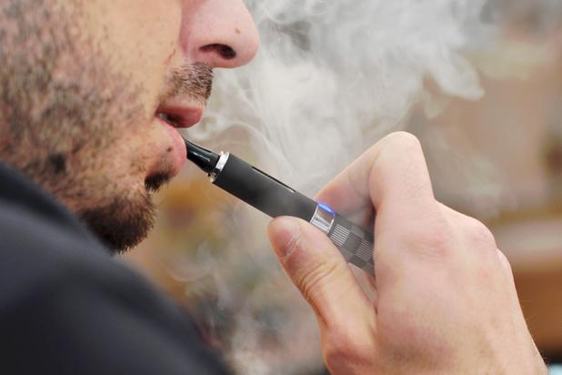 Nouveau décès lié aux cigarettes électroniques aux Etats-Unis, 450 malades recensés