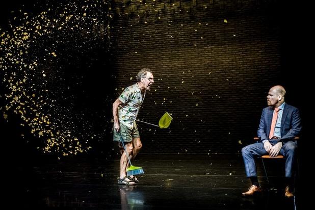 Peter De Graef en Bruno Vanden Broecke zoeken zingeving tussen de chips in 'Niet doen!'