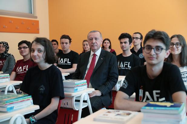 """Etablissements turcs ou """"écoles Erdogan""""? La polémique fait rage en Allemagne"""
