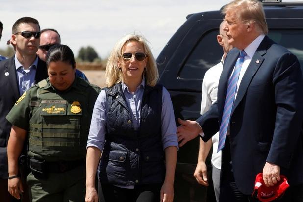 Nouvelle démission à la Maison Blanche, avec le départ de la ministre chargée de l'immigration de Trump