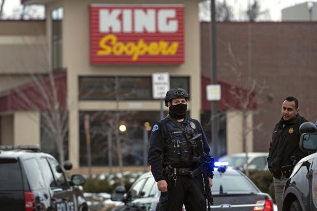 USA: Dix morts dans une fusillade dans un supermarché du Colorado