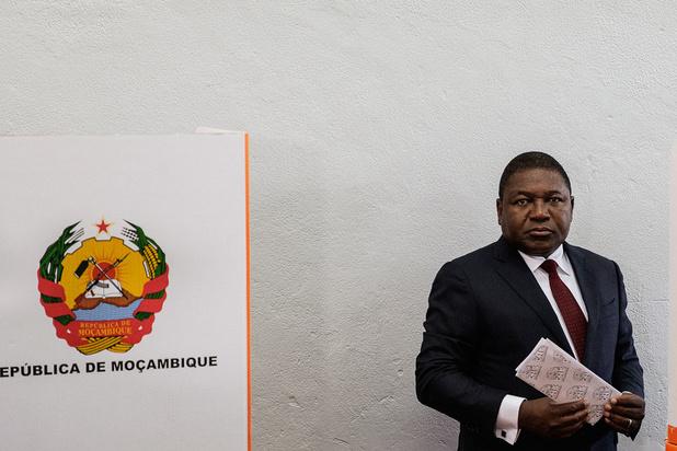 Mozambique: le président sortant Filipe Nyusi réélu