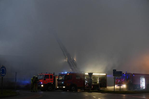 Incendie industriel sous contrôle à Louvain-la-Neuve
