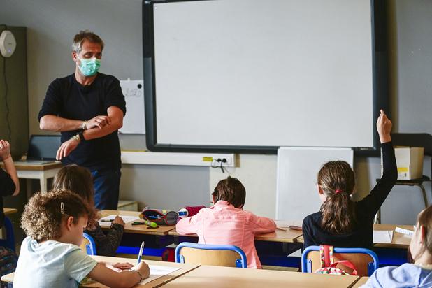 """Le cri d'alarme des pédiatres : """"Les écoles doivent rouvrir à 100%"""""""