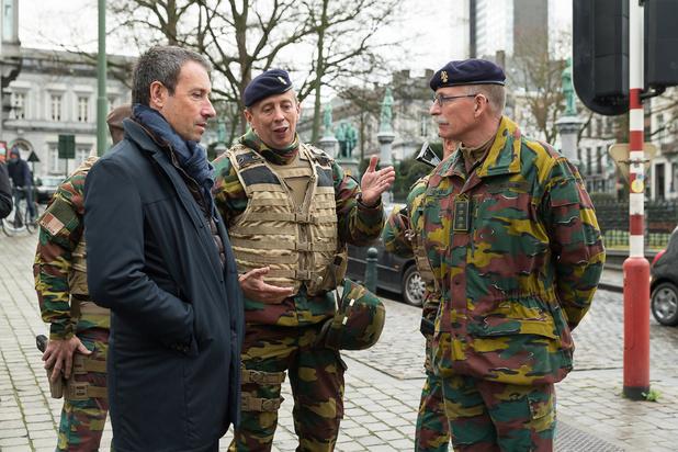 Le ministre Goffin poursuit ses rencontres de militaires à Anvers
