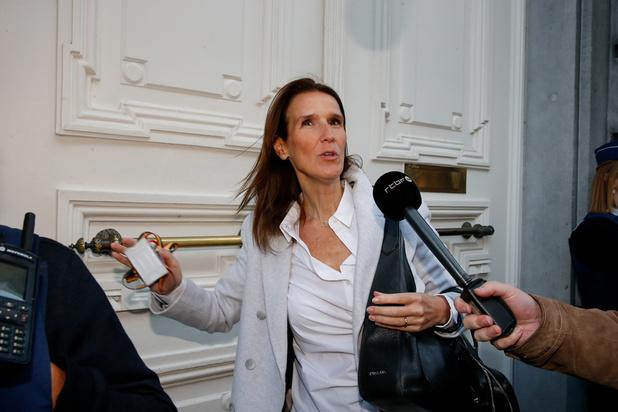 Formation fédérale : Wilmès entretient des contacts discrets pour prendre des mesures budgétaires