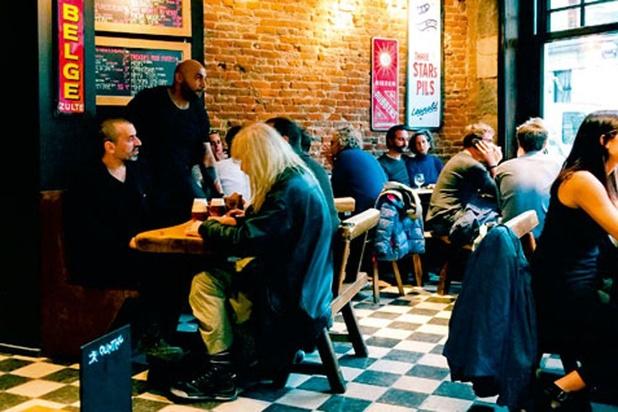 Un podcast pour évoquer la vie à Bruxelles, à travers l'amour pour ses cafés et ses bars