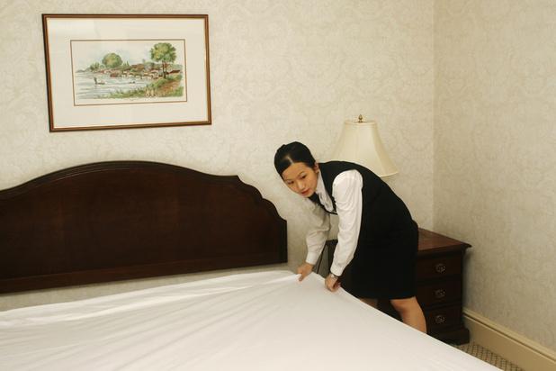 """Les draps de votre hôtel sont-ils propres? Une """"puce"""" vous le dit"""