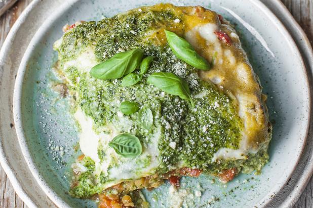 Une recette végétarienne par jour | 6 - Lasagne au pesto épinards-basilic, sauce aux légumes
