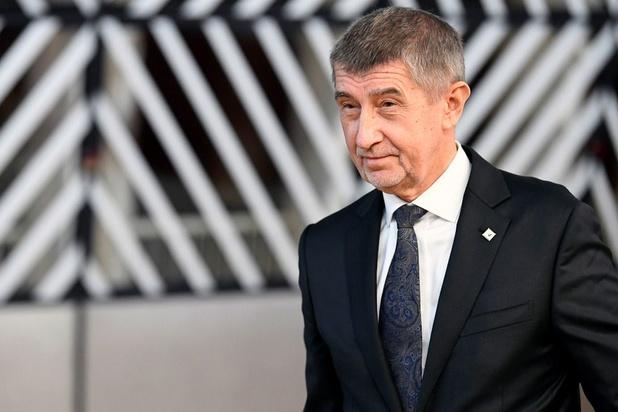 Belangenvermenging? Europees parlement zegt Tsjechische premier de wacht aan