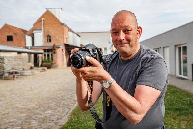 Ondanks beperking tekent fotograaf Luc present op ieder Lichtervelds evenement