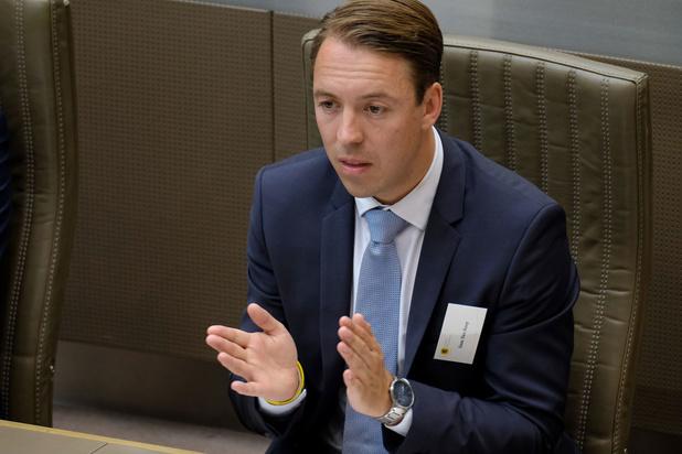 Vlaamse formatie: Commotie over tweet Vlaams Belang-parlementslid Sam Van Rooy