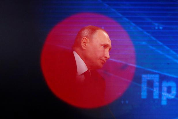 """Au pouvoir depuis 20 ans, Poutine prône l'""""unité"""" pour le """"développement"""" de la Russie"""