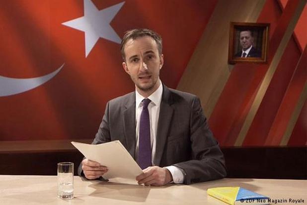 Duitse komiek daagt Merkel voor rechtbank voor kritiek op gedicht over Erdogan, maar verliest
