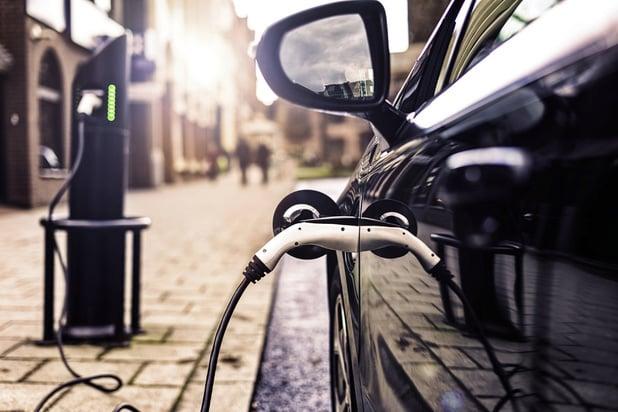 Plus d'une voiture sur dix est électrifiée