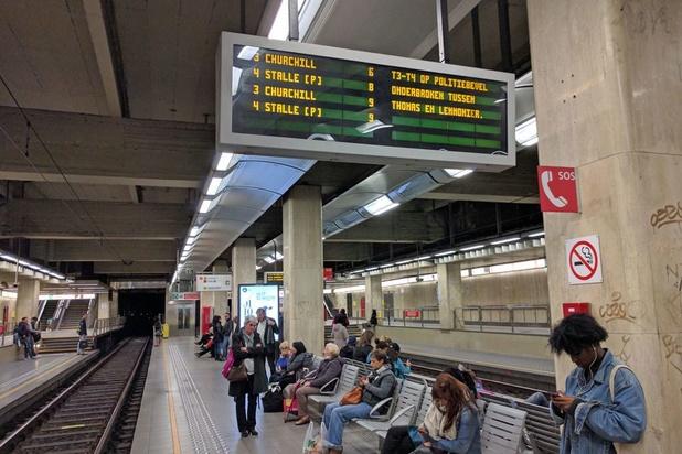 """Une affiche """"sexiste"""" dans le métro bruxellois ?"""