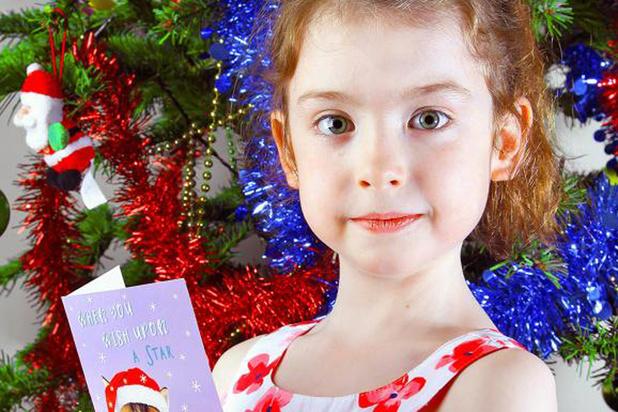 Une fillette trouve un message de prisonnier dans une carte de Noël imprimée en Chine