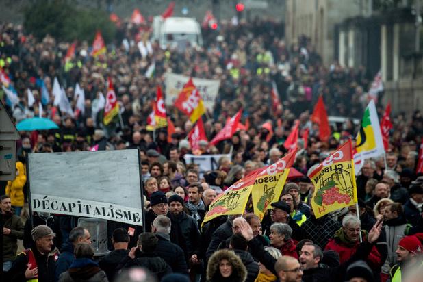 Semaine cruciale avant les fêtes concernant le conflit sur les retraites en France