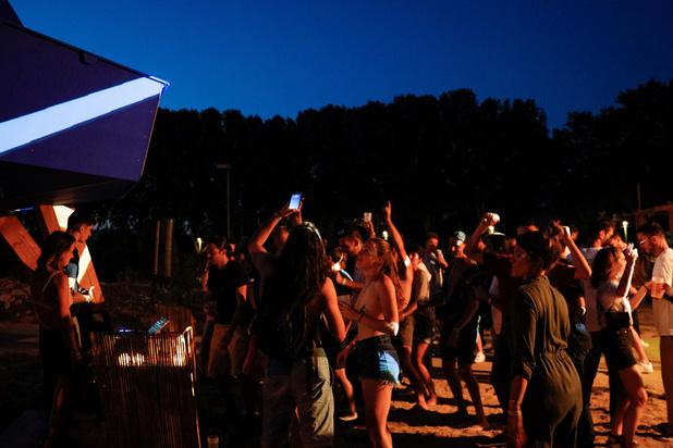 À Paris, le renouveau des free party, exutoire à la pandémie