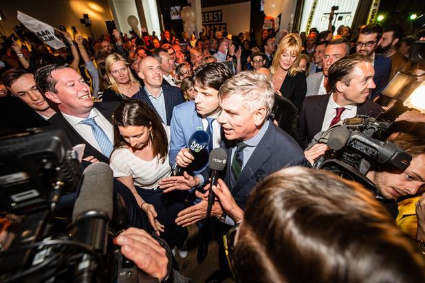 'N-VA nam ondubbelzinnig afstand van collaboratie, het blijft wachten op een gelijkaardig signaal van Vlaams Belang'