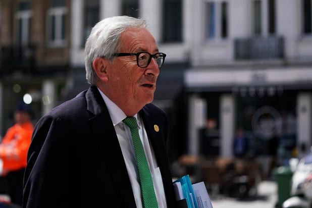 Juncker moet opnieuw zijn rijbewijs halen