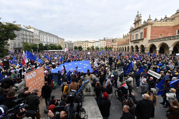 Cinq raisons de ne pas retirer les subsides européens à la Pologne