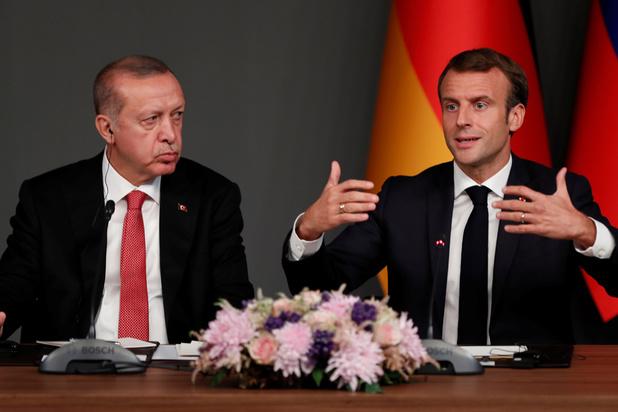 """Erdogan juge Macron en """"état de mort cérébrale"""", Paris riposte"""