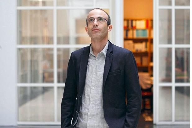 Yuval Noah Harari laat kritiek op Poetin weg in Russische vertaling van zijn boek