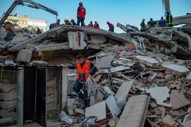 Séisme en mer Egée: le bilan s'alourdit en Turquie, plus de 50 morts