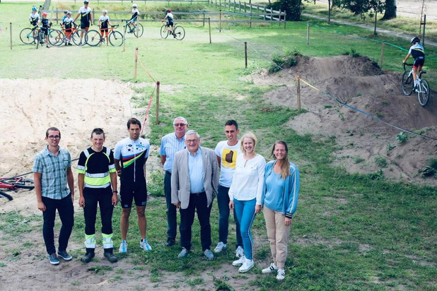 Cyclocrossparcours opent op sportpark Drogenbrood