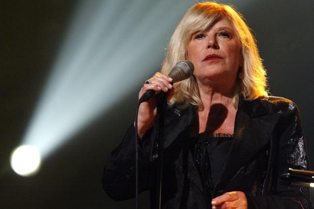 Britse zangeres Marianne Faithfull opgenomen in ziekenhuis met coronavirus