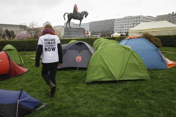 200-tal klimaatactivisten brachten nacht door op Troonplein in Brussel