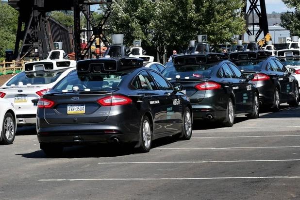 'Uber verkoopt deel van tak autonome auto's'