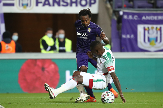 Menant 2-0, Anderlecht se fait rejoindre par OHL (2-2)