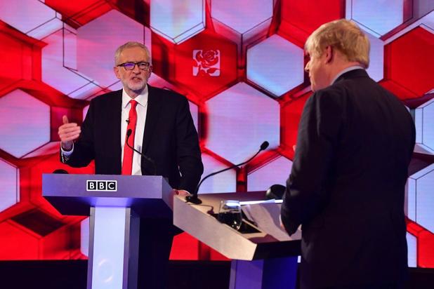 Corbyn verhoogt in televisiedebat druk op Johnson, maar breekt geen potten
