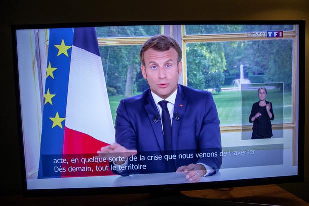 """En France, Macron accélère sur le déconfinement et promet de tirer les """"leçons"""" de la crise"""