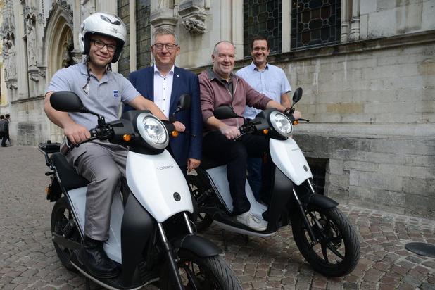 Brugge zet voortaan elektrische scooters in voor parkeercontroles