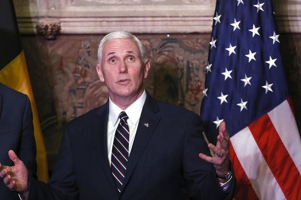 Amerikaans vicepresident Pence brengt verrassingsbezoek aan troepen in Irak