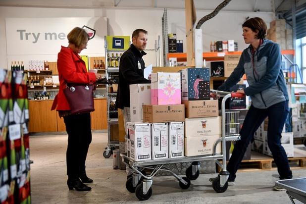 Prévoyants, les amateurs de vin britanniques font de très grosses provisions en France
