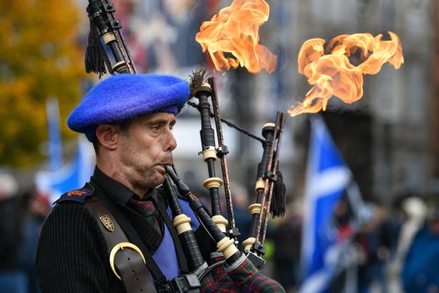 Schotse Wikipedia grotendeels geschreven door iemand die geen Schots kent