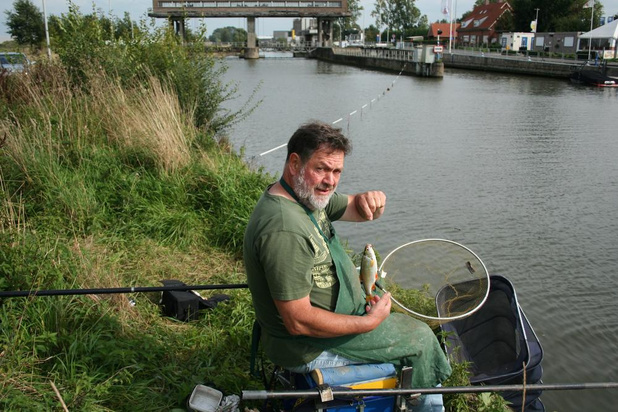 """Hoe is de waterkwaliteit aan de Leieboorden in Vijve? """"Rijk visbestand in de Leie"""""""