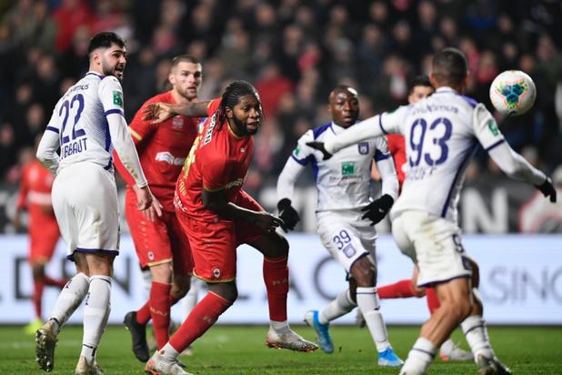 Antwerp en Anderlecht delen de punten op de Bosuil