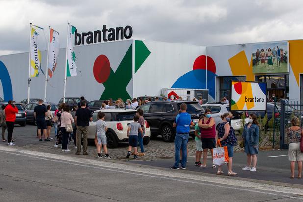 Veilinghuis: '40-tal Brantano-winkels open maandag'