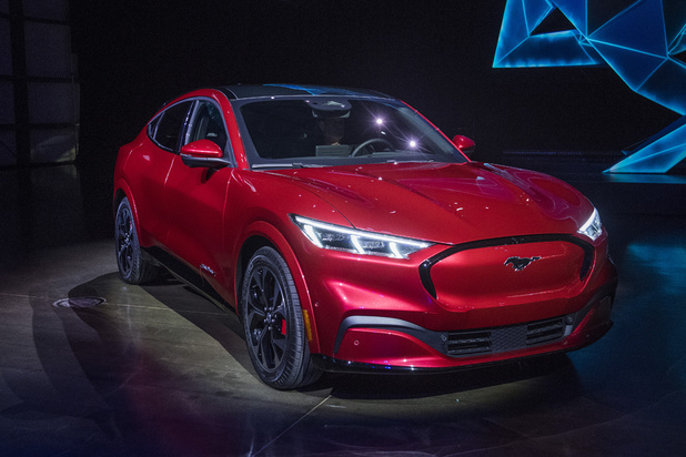Ford se lance dans l'électrique, avec le SUV Mach-E de Mustang