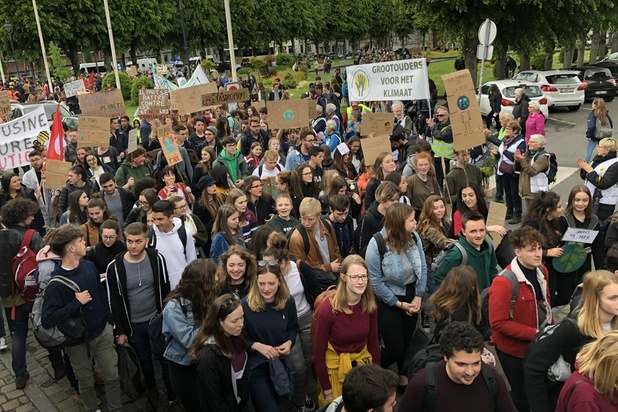 Environ 200 jeunes à Bruxelles et 1000 à Mons pour la 18e marche pour le climat