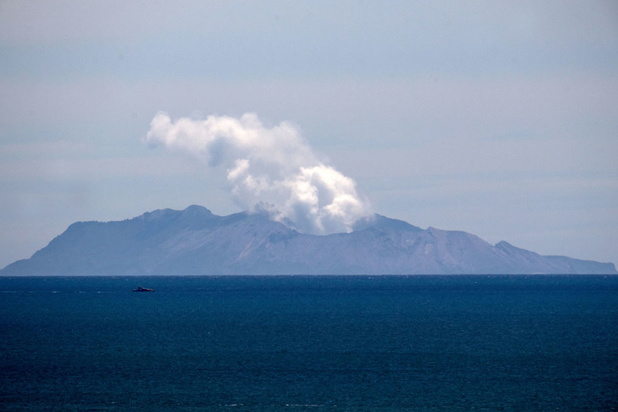 Nouvelle-Zélande: des secouristes pourraient aller chercher les victimes du volcan