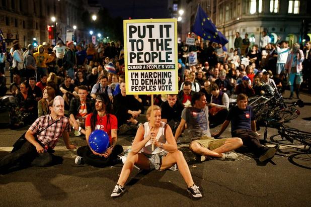Petitie tegen verdaging Brits parlement overschrijdt kaap van 1 miljoen handtekeningen