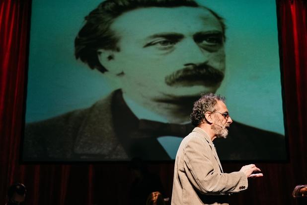 'In naam van de waarheid': strijdvaardig theater op wankele voet