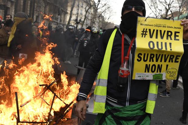Franse regering trekt geleidelijke verhoging pensioenleeftijd tijdelijk in